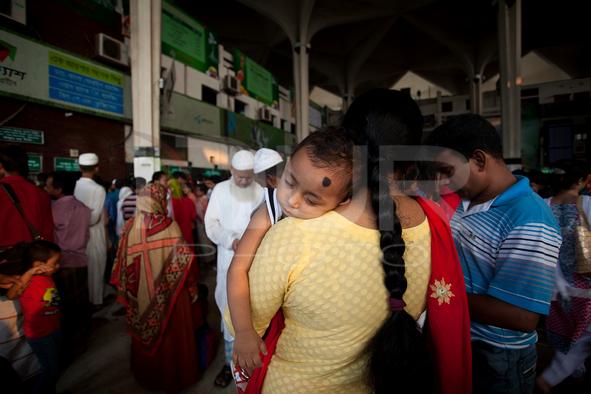 The Insane Journey Towards Home in Dhaka, Bangladesh.
