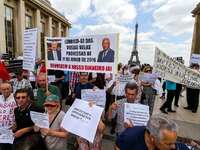 Demonstration of Portuguese emigrants living in France