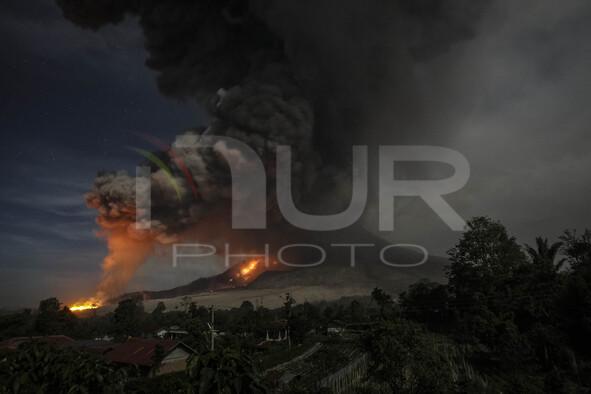 Sinabung Erupted Again