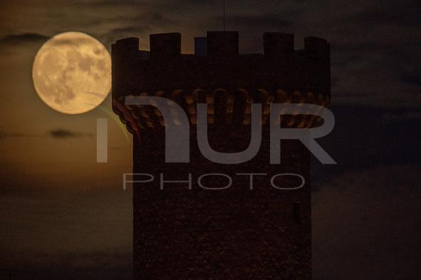 Hunter Moon Rising In Italy