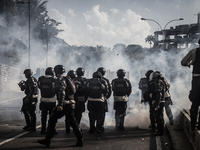 Police clash in Venezuela with anti-government protesters