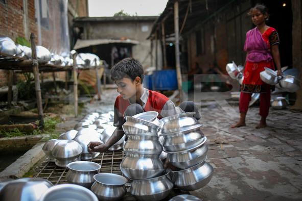 Child Labor in Aluminum factory
