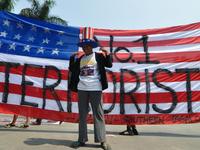 Protests on Obama's state visit in Manila