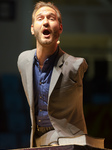 Nick Vujicic Goves A Lecture In Budapest