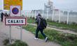 Migrants start evacuating Calais 'Jungle' camp